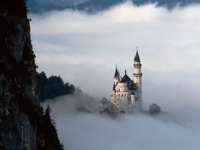http://gemina.files.wordpress.com/2008/06/fairy-tale-fantasy_-neuschwanstein-castle_-bavaria_-germany.jpg